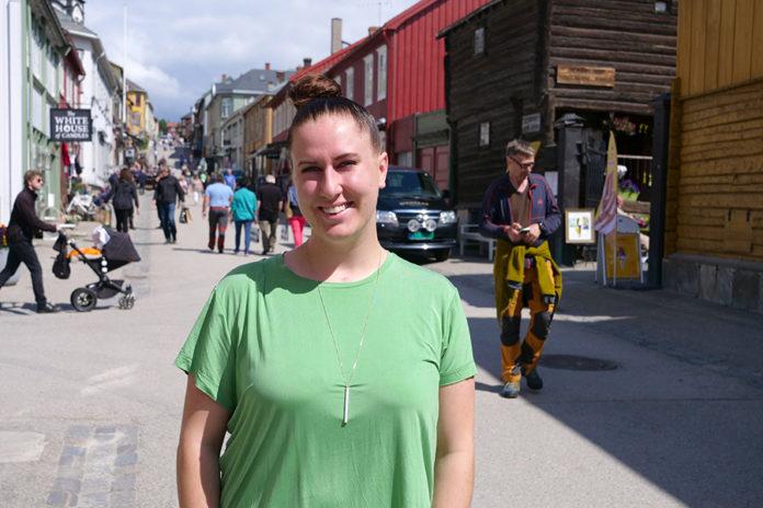 Rikke L. Norvik, leder for Røros Handelsstand gleder seg til nattåpent på fredag. Foto: Iver Waldahl Lillegjære