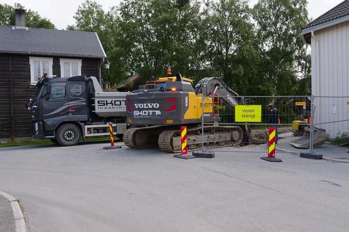 Veien ved Tufta kan være stengt et par dager til. Foto: Iver Waldahl Lillegjære