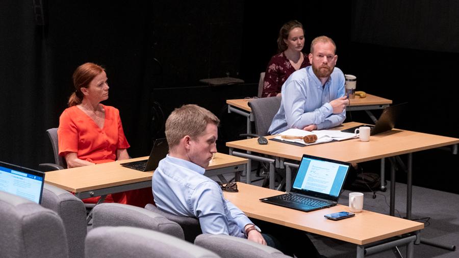 Dagens planutvalgsmøte foregikk i kinosalen på Storstuggu. Foto: Iver Waldahl Lillegjære