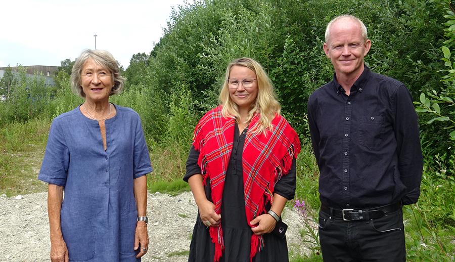 Aud Selboe får støtte fra Hilde Danielsen og Lars Haltbrekken i SV i arbeidet for å få til en folkehøyskole på Røros. Foto: Tore Østby