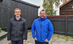 Fungerende ordfører, Christian Elgaaen, og Erik Høsøien i Røros pride. Foto: Tove Østby