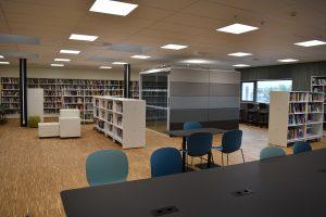 Biblioteket ved Røros Videregående skole. Foto: Tove Østby